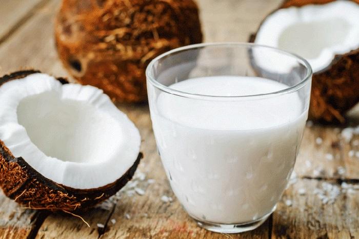Superalimentos frutos leche coco