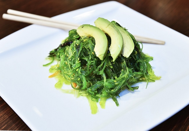 wakame alga que es